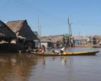 Bote en rio